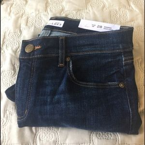 Loft Modern Kick Crop Jeans.  28/6P.  Petite